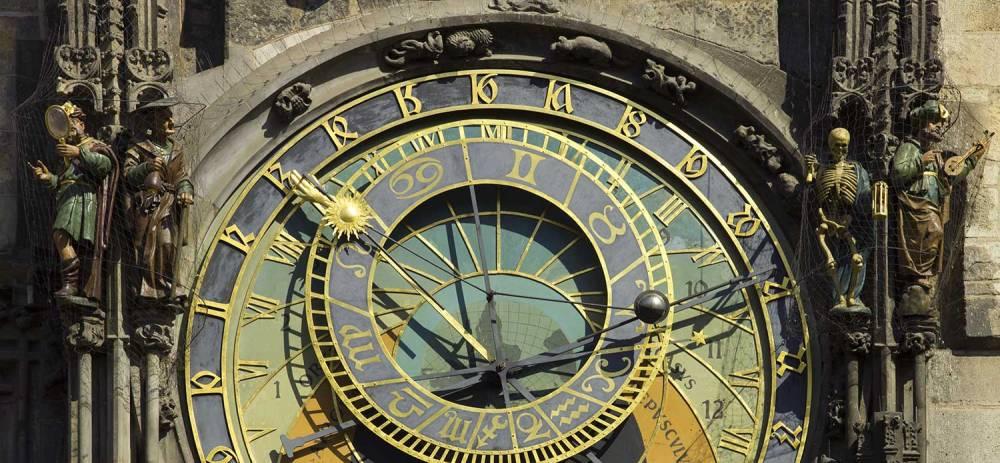 Czech-2013-Prague-Astronomical clock face, by Godot13